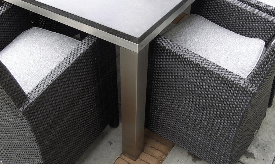 RVS tafelonderstel buiten