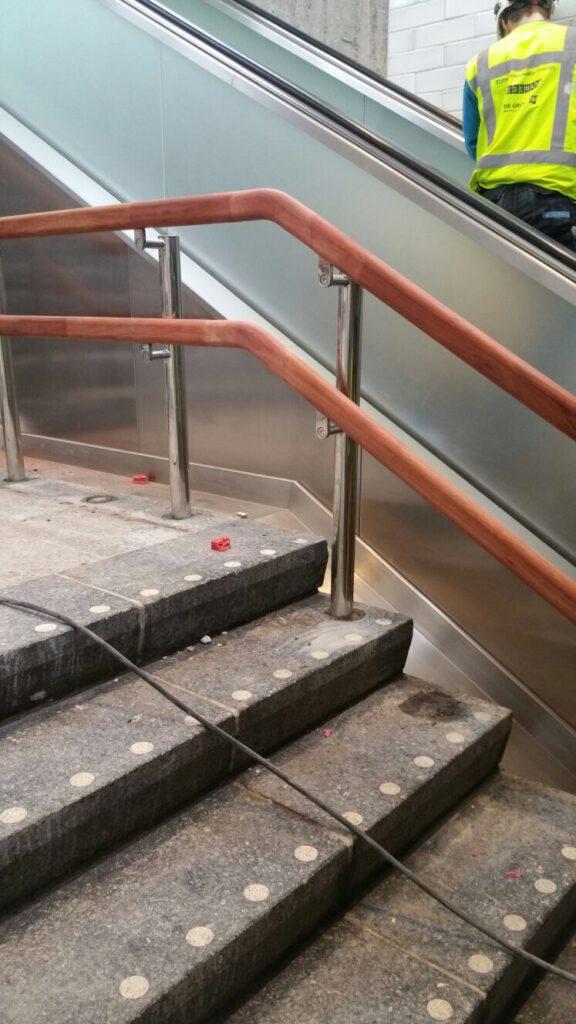 RVS trapleuning metro amsterdam